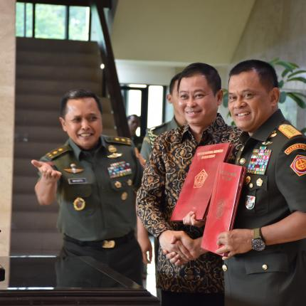 Penandatanganan MoU antara Menteri ESDM dengan Panglima TNI_2