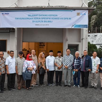 Dirjen EBTKE, FX Sutijastoto mendampingi Anggota Komisi VII DPR RI pada Kunjungan Kerja Spesifik ke PLTA Bili Bili, Sulawesi Selatan