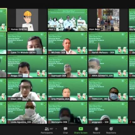 Para pegawai Ditjen EBTKE mengikuti kegiatan Halalbihalal secara virtual. (17/05/2021) (LA)