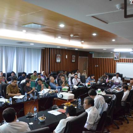 Masing-masing Asosiasi Memperkenalkan Diri agar Saling Mengenal Sesama Asosiasi di Subsektor EBTKE