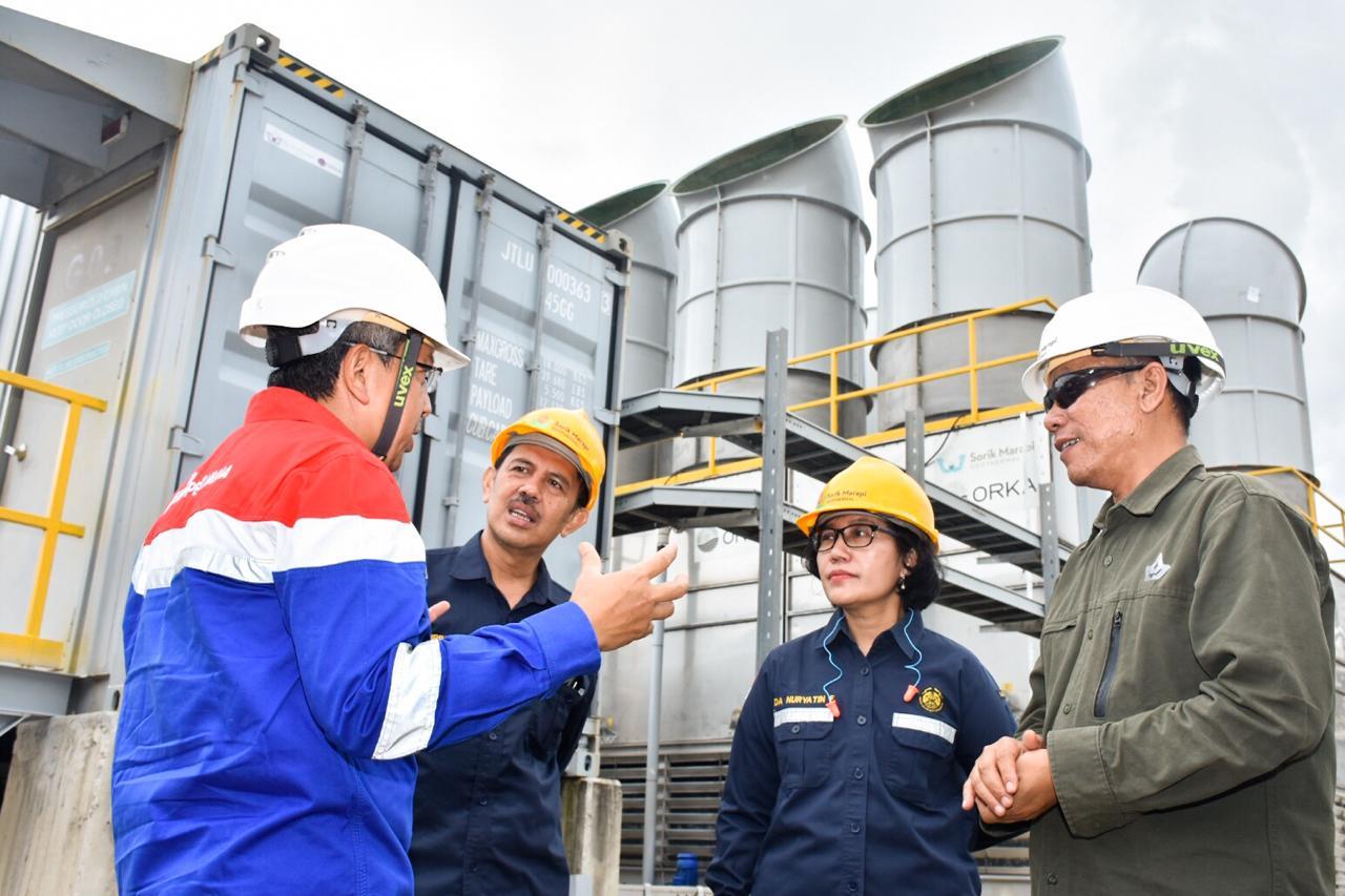 Diskusi tim EBTKE, PGE dan PT SGMP terkait proses kerja pembangkit di PLTP Sorik Marapi, Kabupaten Mandailing Natal, Sumatera Utara. (13/02/2020)