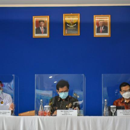 Rapat Dengar Pendapat dipimpin oleh Ketua Tim Kunjungan Spesifik Komisi VII DPR RI, Ramson Siagian di PT Indocement Tunggal Prakarsa Tbk, Bogor (01/04/2021) (NS)