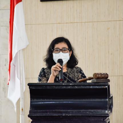 Direktur Panas Bumi Ditjen EBTKE, Ida Nuryatin Finahari memberikan sambutan pada acara sosialisasi explorasi Panas Bumi di Kecamatan Cisolok, Kabupaten Sukabumi. (02/09/2020)