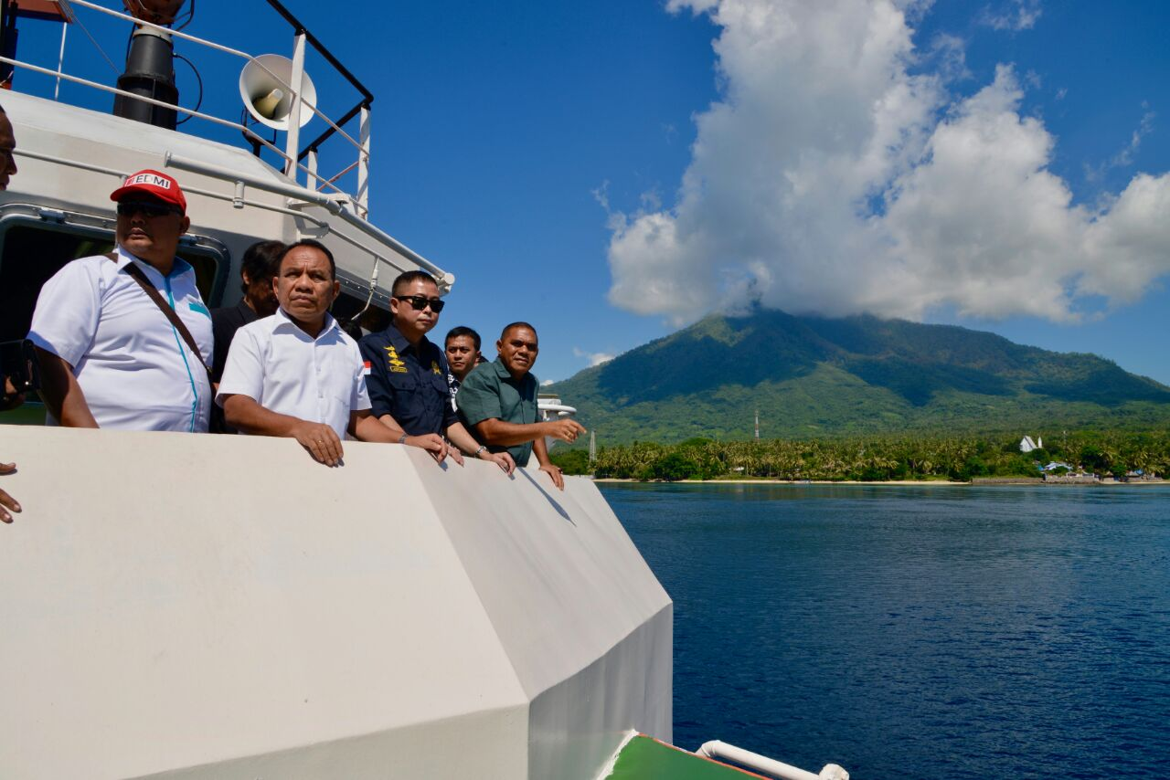 Dari studi yang telah dilakukan, Arus laut di Selat Larantuka memiliki potensi sebesar 20 sampai dengan 30 MW