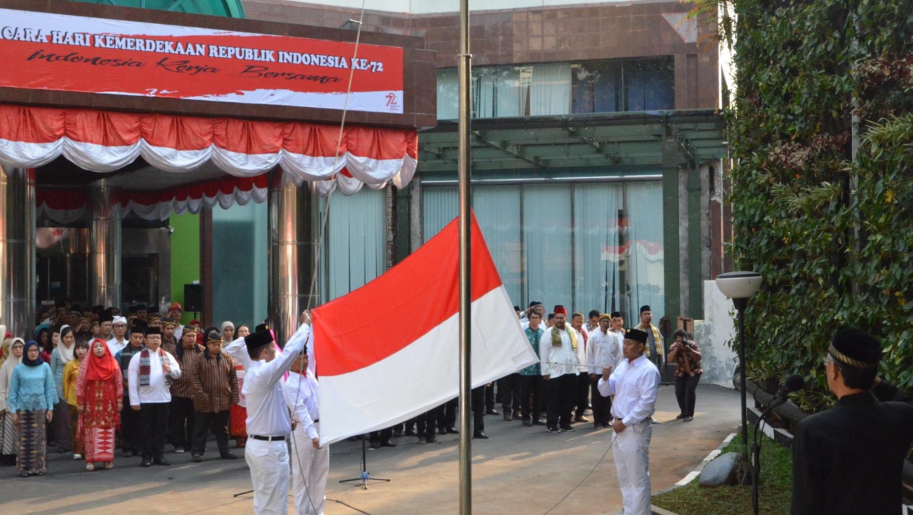 Pengibaran Bendera Merah Putih