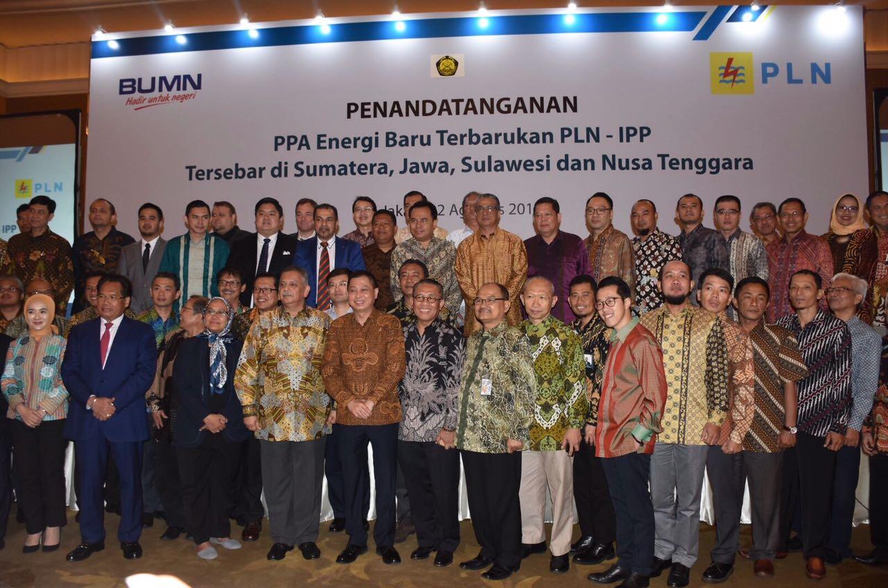 Menteri ESDM Foto Bersama Seluruh Tamu Undangan