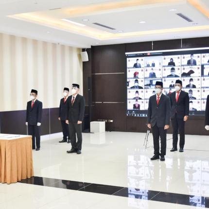 Perwakilan pejabat fungsional yang hadir secara langsung untuk dilantik di Gedung Slamet Bratanata, Jakarta (15/12/2020)