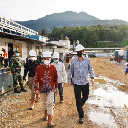 Direktur Panas Bumi, Harris melakukan kunjungan lapangan ke Sorik Marapi untuk menghadiri kegiatan sosialisasi dan menyaksikan pengoperasian sumur unit I di Sorik Marapi, Mandailing Natal (25/02/2021)