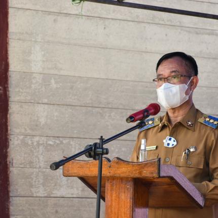 Bupati Katingan, Sakariyas memberikan sambutan pada acara Peresmian Pemasangan PJU-TS di Kabupaten Katingan. (24/05/2021) (NS)