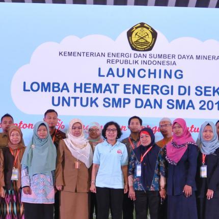 Direktur Konservasi Energi Foto Bersama dengan Para Guru_1