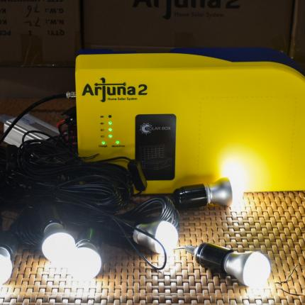 Proses demo Arjuna 2 ketika  menyalakan lampu LED 2W 6 pcs di Farmindo Inovasi Teknologi, Bogor (15/04/2021) (NS)