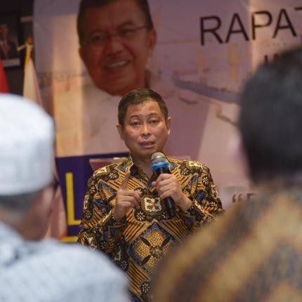 Menteri ESDM memaparkan tentang sektor energi pada acara rakernas institut lembang sembilan di Jakarta