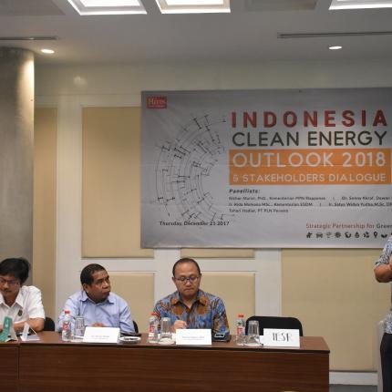 2. Mengutamakan daya saing masyarakat, dengan listrik yang murah akan meningkatkan daya saing Indonesia di dunia