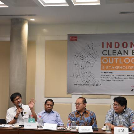 Ditjen EBTKE Rida Mulyana hadir sebagai panelis dalam acara diskusi dan peluncuran Indonesia Energy Outlook 2018