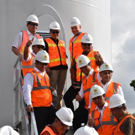 Menteri ESDM mengapresiasi seluruh pihak terutama kepada Bupati Sidrap atas semua dukungan sehingga pembangunan proyek PLTB pertama di Indonesia ini sesuai rencana..JPG
