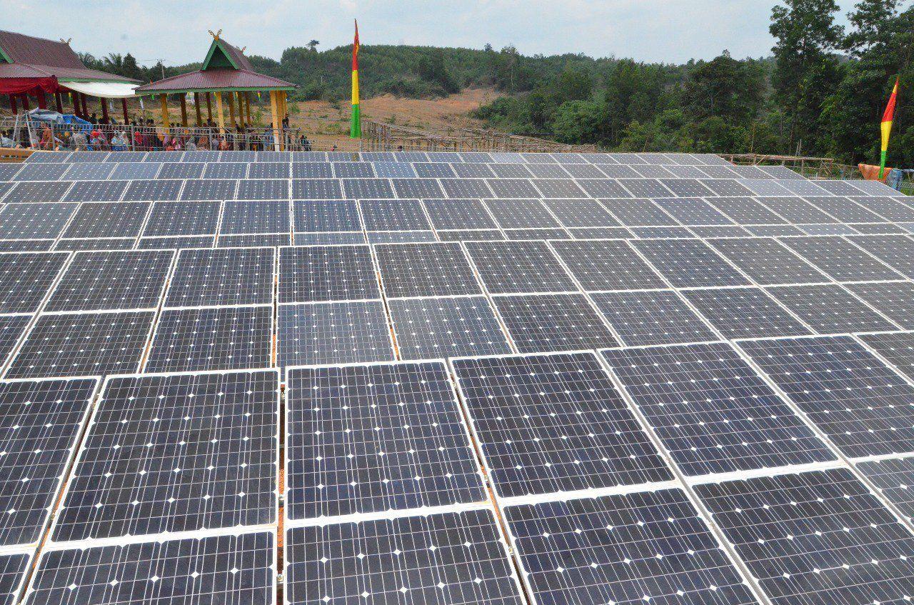 PLTS Terpusat 50 kWp di Desa Bencah Umbai melistriki 157 rumah/KK dan 11 Fasilitas Umum