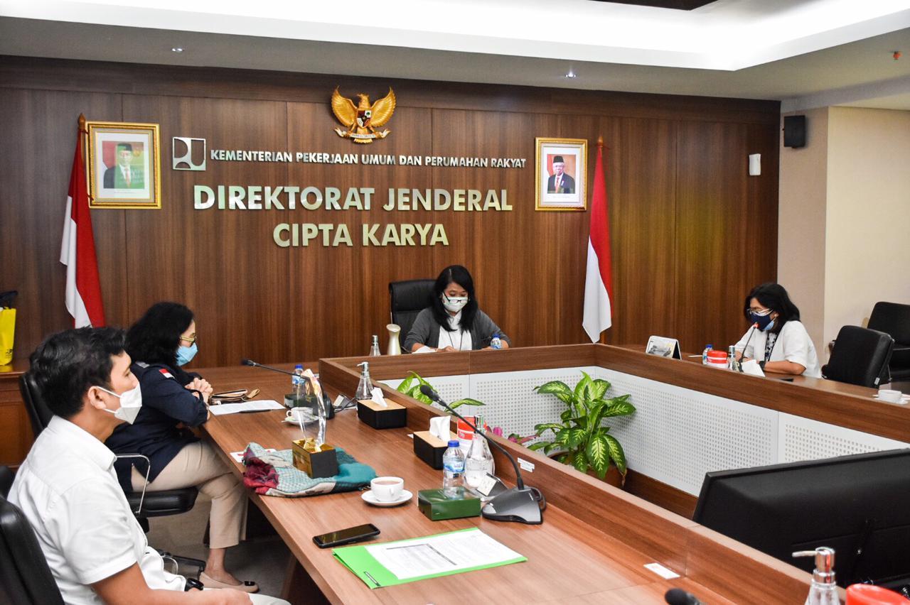 Penyerahan Penghargaan Asean Energy Awards 2020 di kantor Ditjen Cipta Karya, Jakarta (18/02/2021)(NS)