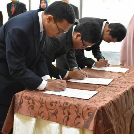 Penandatanganan Surat Keputusan Pengangkatan Jabatan Fungsional