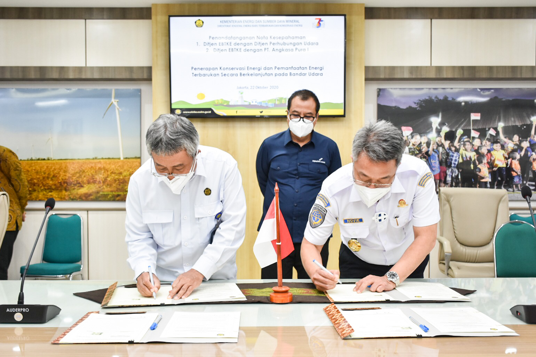 Penandatanganan nota kesepahaman bersama Direktorat Jenderal Perhubungan Udara Kementerian Perhubungan dan PT. Angkasa Pura I serta PT. Angkasa Pura II di Gedung Slamet Bratanata, Jakarta.(22/10/2020)